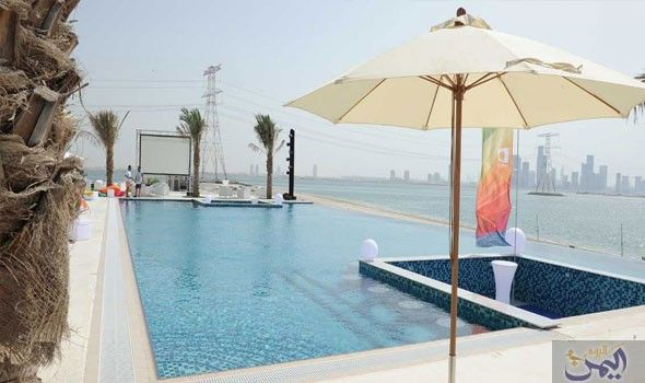 جزيرة السعادة في أبو ظبي تجمع جمال الطبيعة وروعة البحر Patio Umbrella Patio Outdoor