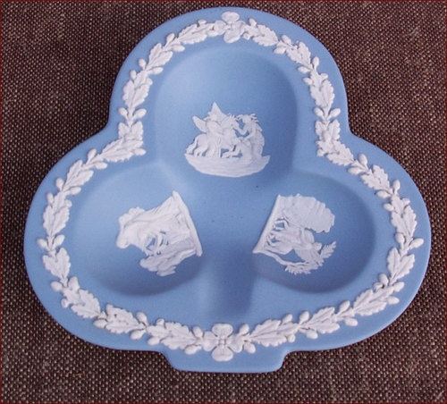 160 best wedgewood jasperware images on pinterest for Wedgewood designs