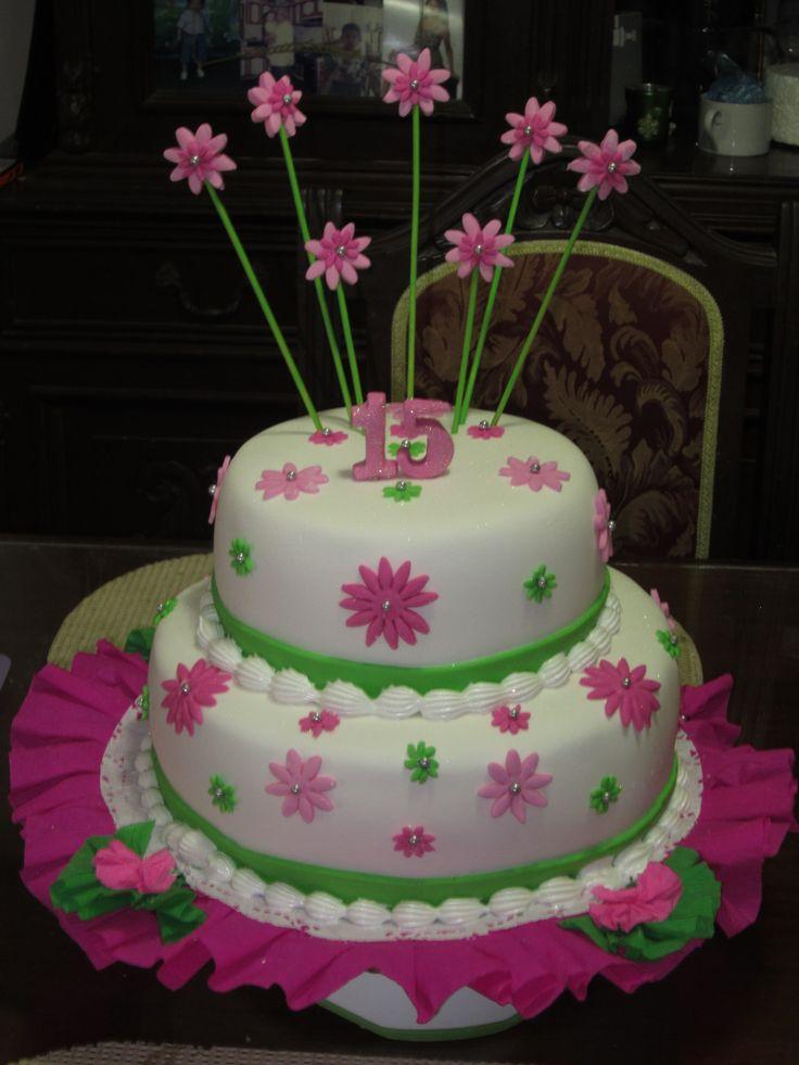 Quinceañera Cake / Torta para Quinceañera / Creaciones Reina Sofia / Ciudad Ojeda / Zulia