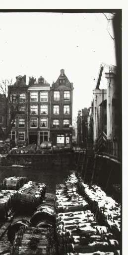 Gezicht op de Teertuinen op het Prinseneiland in Amsterdam, George Hendrik Breitner, Harm Botman, c. 1890 - c. 1910 - Rijksmuseum