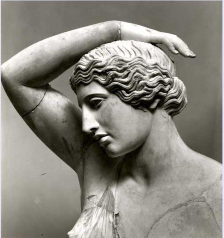 Статуя раненой Руской казачки Ярмы / Амазонки, 1-2 век н.э., римская копия греческой бронзовой статуи, около 450-425 до н.э., Мрамор (Pentelic), Метрополитен-музей, Нью-Йорк, деталь.