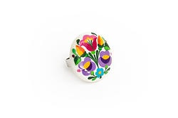 Handpainted porcelain ring with embroidery motives by Mintapalinta