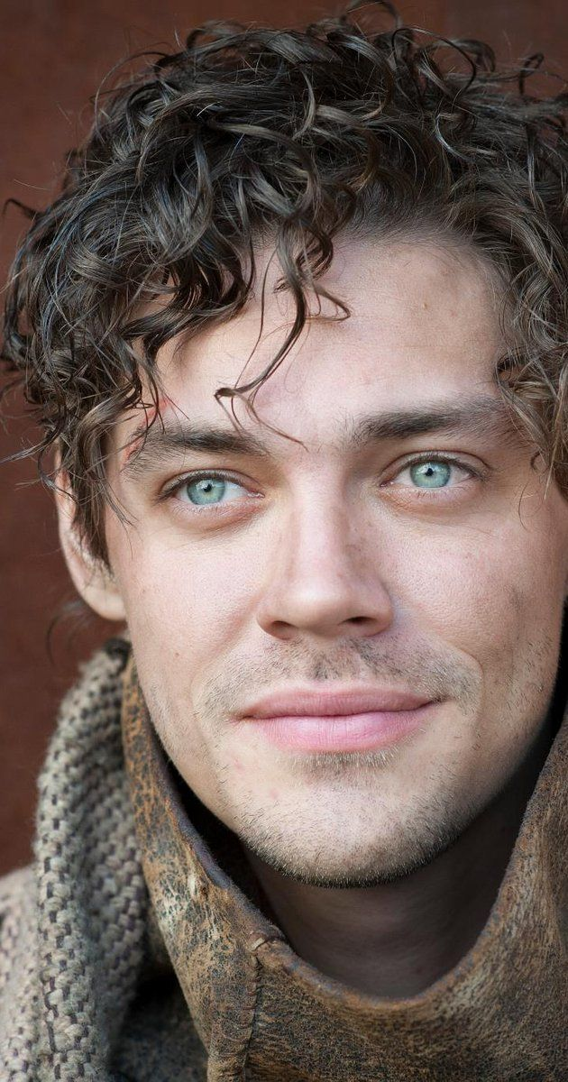 Pictures & Photos of Tom Payne - IMDb