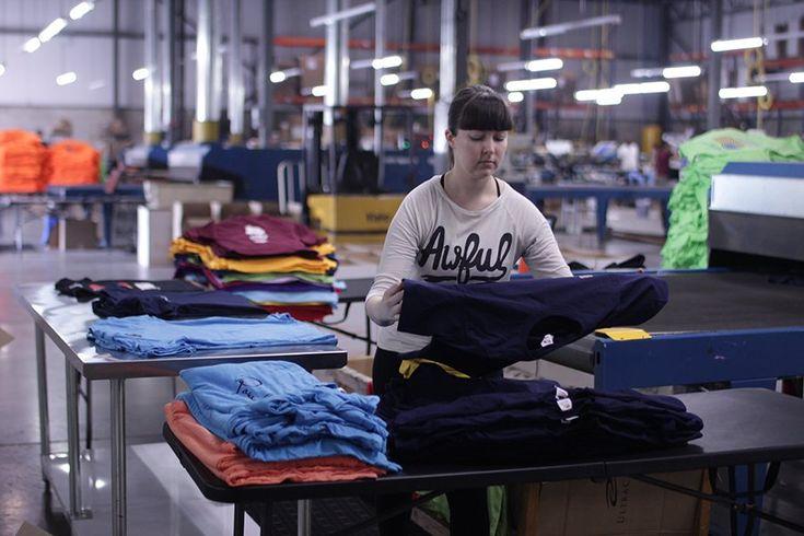 Vista del proceso de preparación para crear camisetas personalizadas