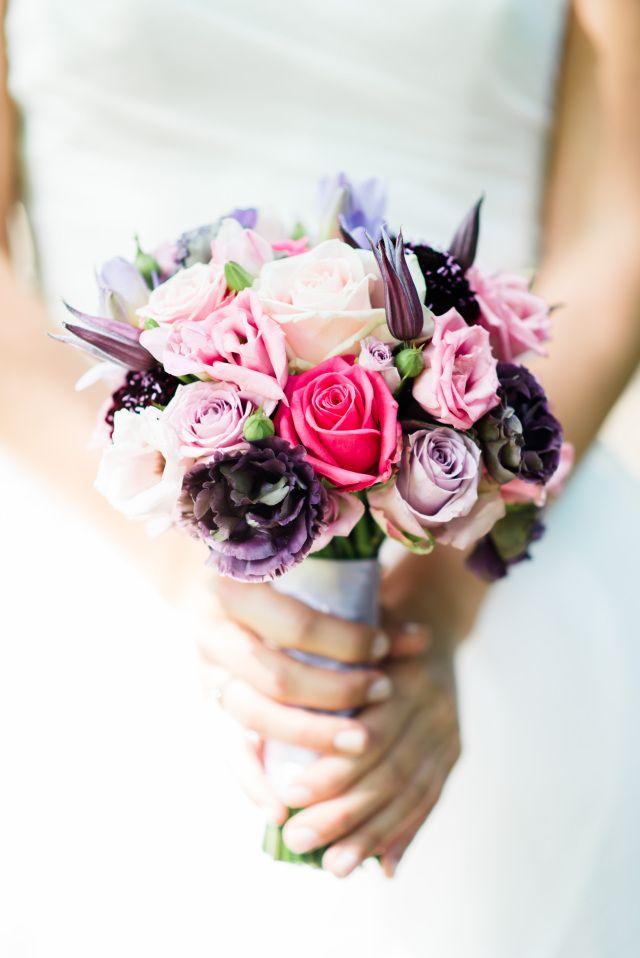 #bruidsboeket #roze #boeket #bloemen #bruiloft #trouwen #huwelijk #trouwdag #huwelijksboeket #trouwboeket #inspiratie #wedding #bouquet #pink #inspiration   Photography: Rox and San   ThePerfectWedding.nl