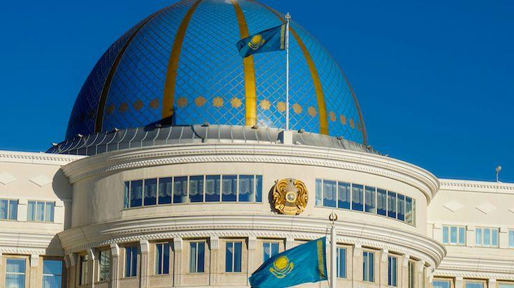 Wyborcza: Назарбаев выбрал латиницу в угоду казахскому «поколению независимости» http://kleinburd.ru/news/wyborcza-nazarbaev-vybral-latinicu-v-ugodu-kazaxskomu-pokoleniyu-nezavisimosti/