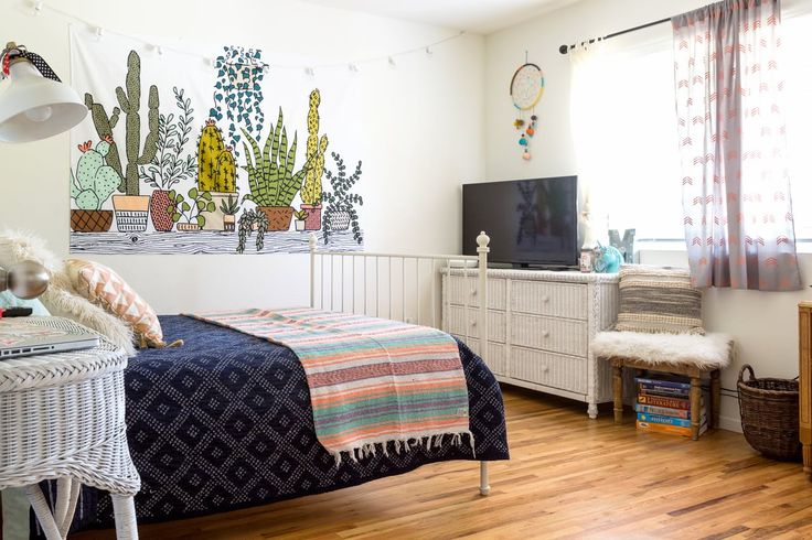 House Tour: A Young Couple's Free-Spirited Full House | Apartment Therapy