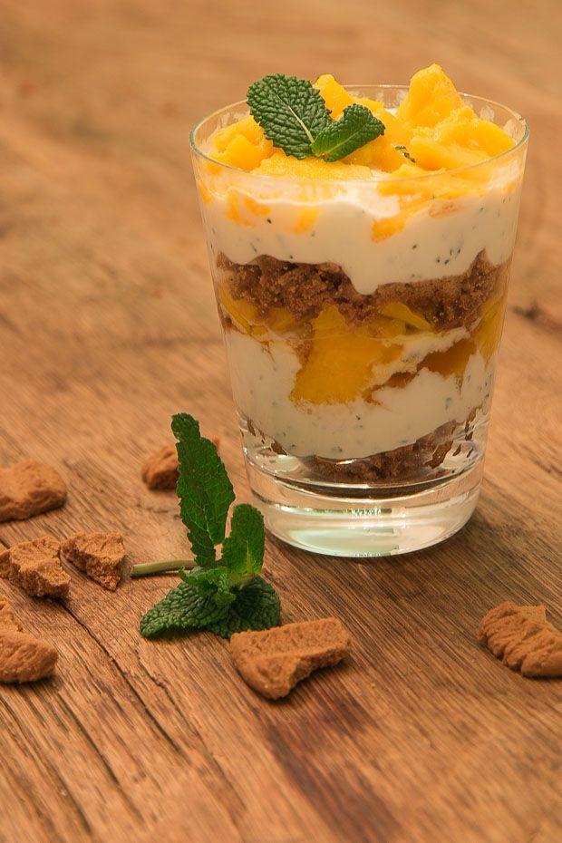 Een makkelijk kerst dessert: mango trifle met mango.