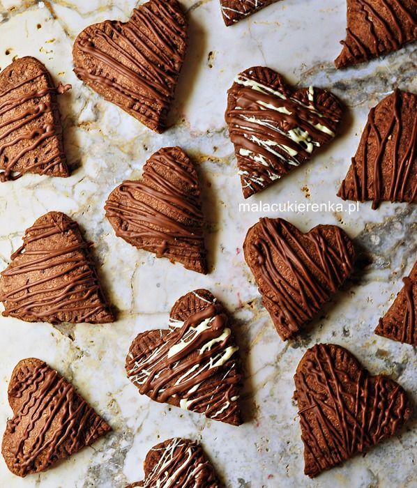 Nadziewane ciasteczka z czekoladą i migdałami