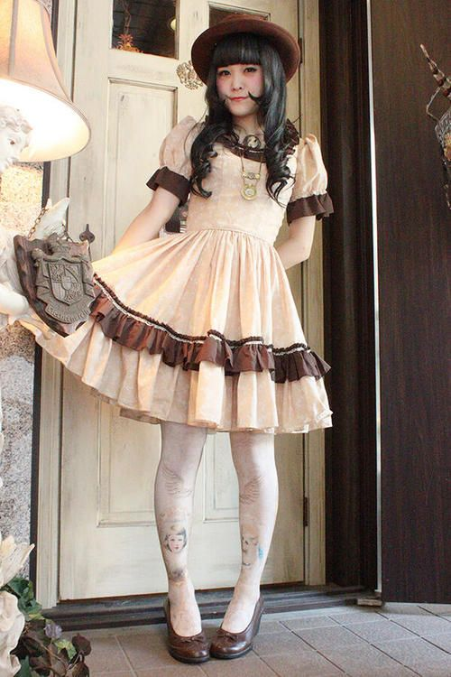 Classical Lolita - Page 2                                                                                                                                                                                 Plus