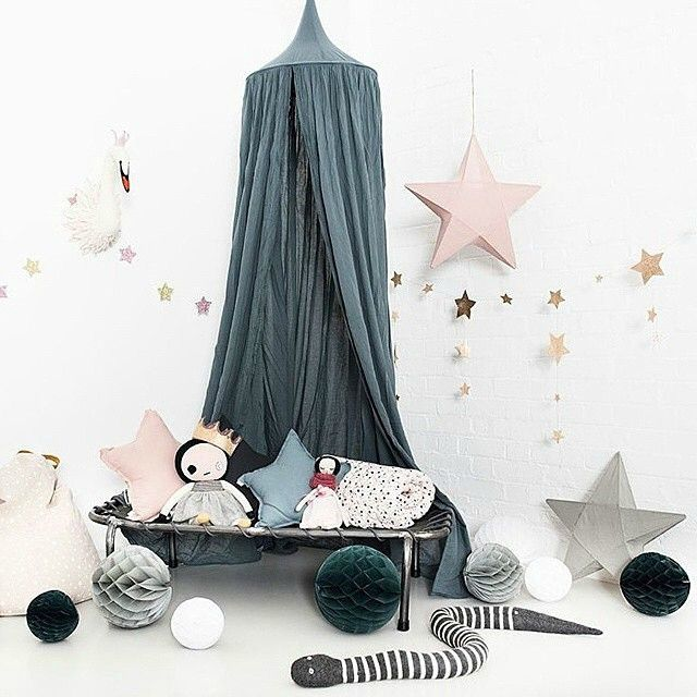 les 25 meilleures id es de la cat gorie lit baldaquin enfant sur pinterest baldaquin pour. Black Bedroom Furniture Sets. Home Design Ideas