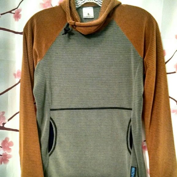 $ALE! Mustard and Olive Grid Fleece Pullover S Melanzana is a clothing company based in Leadville, Colorado. This 100% polyester grid fleece hoodie is so soft and warm and cozy. Excellent condition. Melanzana Tops Sweatshirts & Hoodies