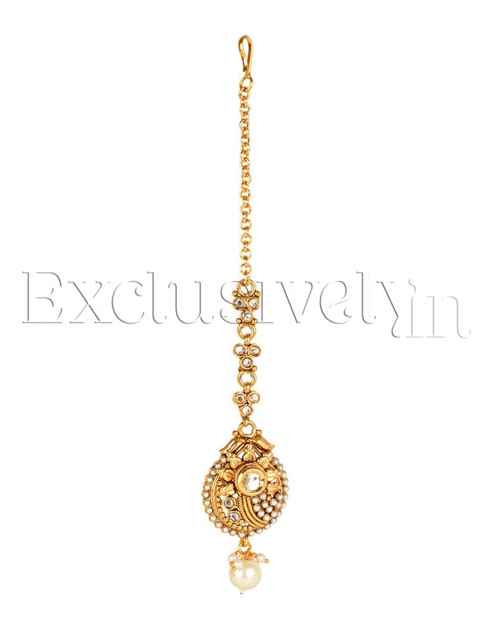 Kundan Choker Necklace Set with Maang Tikka - Exclusively In