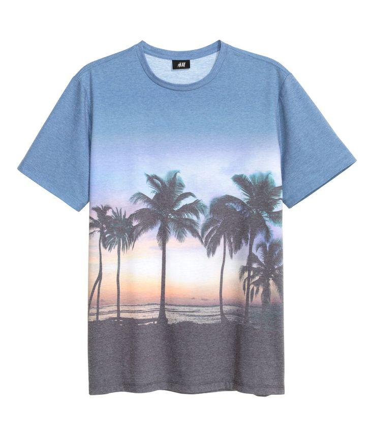Dieses T-Shirt schreit nach Sommer, oder? Mehr kann man bei uns finden #LimbeckerPlatz #LimbeckerPlatzEssen #Essen #sommerstil #mode #fashion