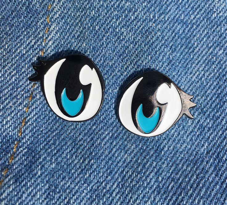 Blue Cute eyes enamel pins