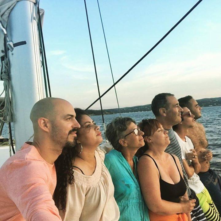 Moment de gratitude devant le couché de soleil en mer #sbc #SailingBusinessClub #sainttropez #coachingenmer #isabelleracouchot #kaptainjerome #lifestyle #yatchlife - http://ift.tt/1jSNosu