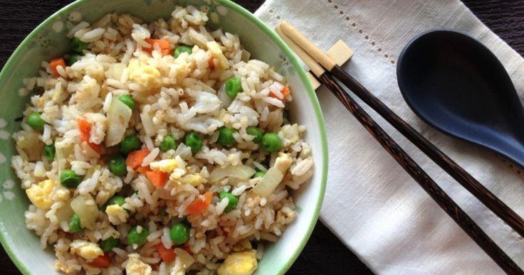 un riz accompagné d'un sauce mayo et sriracha...Une recette à découvrir