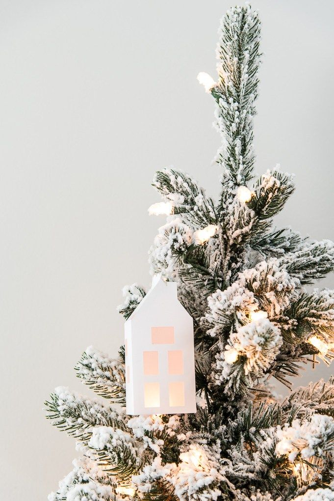 Simple Winter 3d Light Up House Ornament Kerst Knutsels