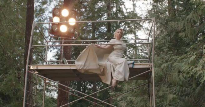 Памела Андерсон снялась в фильме про японский лес самоубийств