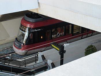 Ligne de tramways express Lyon Part Dieu - Aéroport Saint Exupéry - rhone express