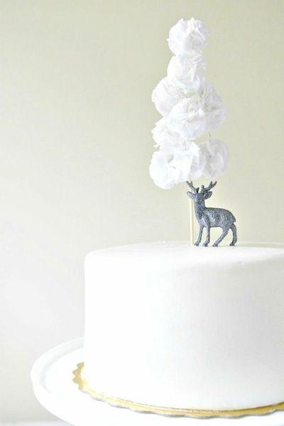 Winter Wedding Cakes | Intimate Weddings - Small Wedding Blog - DIY Wedding Ideas for Small and Intimate Weddings - Real Small Weddings