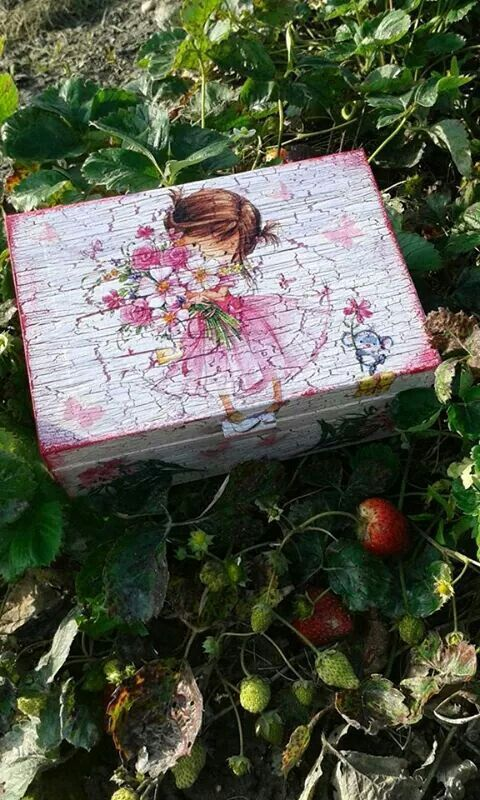Birthday gift,little girl box.Hand painted and decoupage.20eur