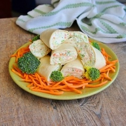 Veggie Wraps...make as an appetizer or as an easy lunch!: Reduce Weights, Burning Fat, Easy Lunches, Fat Cream, Food And Drink, Yummy Food, Veggies Wraps, Reduce Fat, Cream Chee