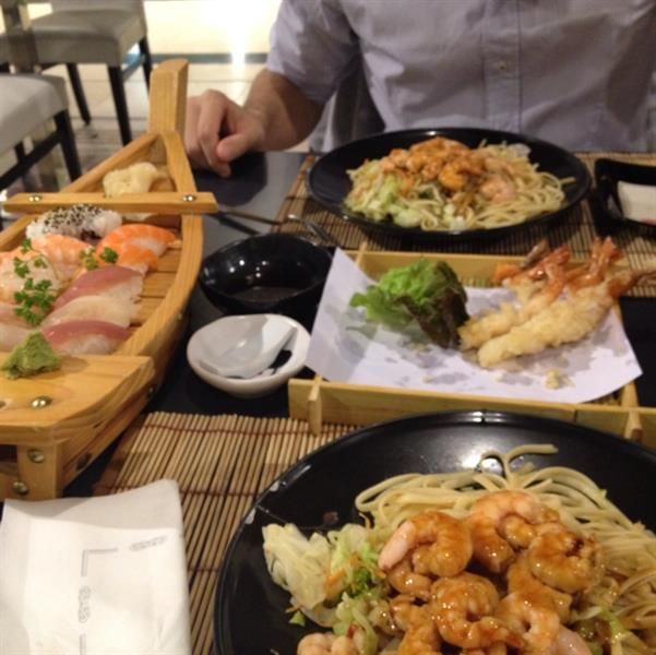 noodles and sushi!!  by  Ilaria