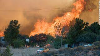 Идеальное путешествие: В Калифорнии горят тысячи гектаров леса