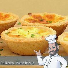 Empadinha de Queijo Culinarista Mauro Rebelo A receita da massa é a mesma da minha massa de empadão (clique aqui) que já postei neste blog. Mas vou postar logo abaixo uma menor quantidade. Você fará 12 empadas na forminha com 8 cm de diâmetro.