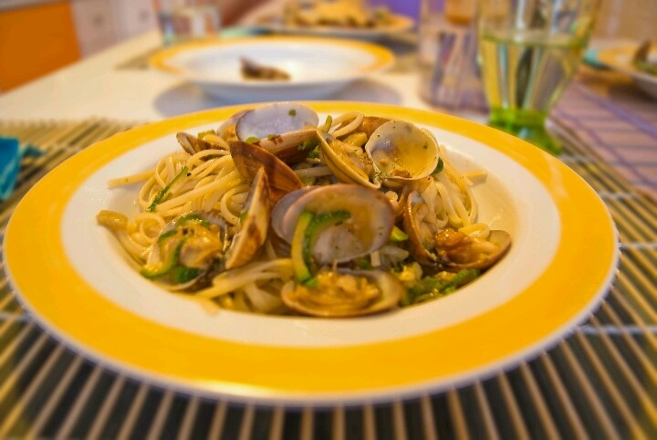 Linguini with Clams and Zucchini
