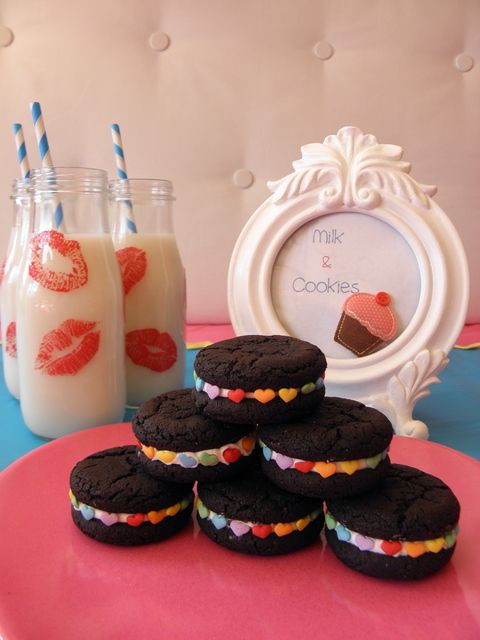 Milk and cookies at a Valentine's Day Party #valentinesday #partyfood
