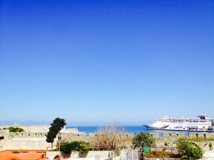 It soooo sunny I could get tanned till Easter!! And that is just the view from Camelot Hotel! ;) #travel #Rhodes #Greece www.camelot-rhodes.com