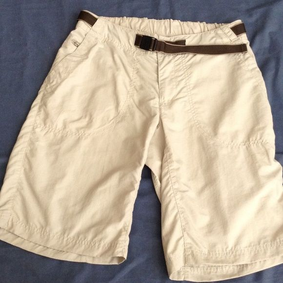 """REI Ladies Hiking Shorts Great pair of ladies hiking shorts. Size 8. UPF 50+. 20"""" from waist to bottom. Beige color. Great condition. REI Shorts"""
