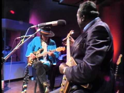 Albert King & Stevie Ray Vaughan — In Session 2010 1983 - Two of my favorite guitar players...enjoy!