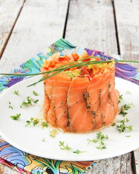 Timbal de salmón con crudités   L'Exquisit