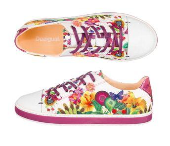 Passend zum Frühling: Desigual Sneakers mit buntem floralen Muster.