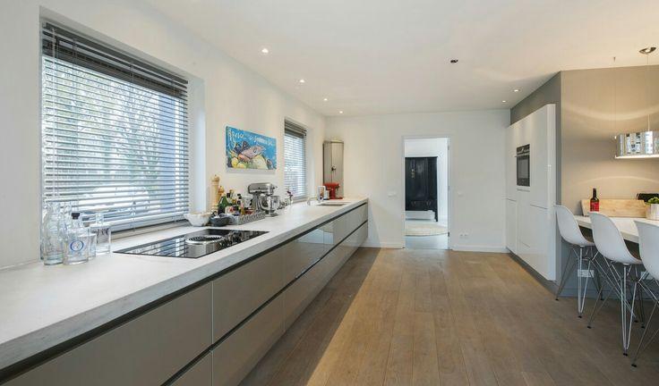 17 beste idee n over lange smalle keuken op pinterest smal kookeiland kleine kookeilanden en - Kleine keukenstudio ...