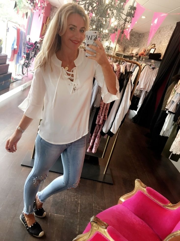 Slaaay this Summer! Mossy white smock top £50! Get yours now! https://www.havetolove.com/collections/new-arrivals/products/mossy-top?utm_campaign=buffer&utm_content=buffer1e937&utm_medium=social&utm_source=pinterest.com&utm_campaign=buffer #summer #top #fashion #nefollowers #insta