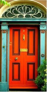 A #tangerine door will never go ignored. @loveallthingsbrightandbeautiful.blogspot.com/ #IMREHOMEIQ