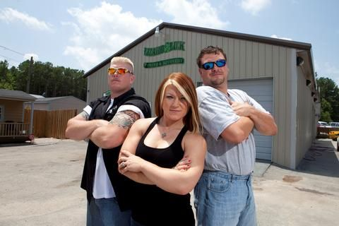 LIZARD LICK TOWING: Bobby's Probation Continues Even As Shirleys Celebrate Christmas (Video Sneak Peek)