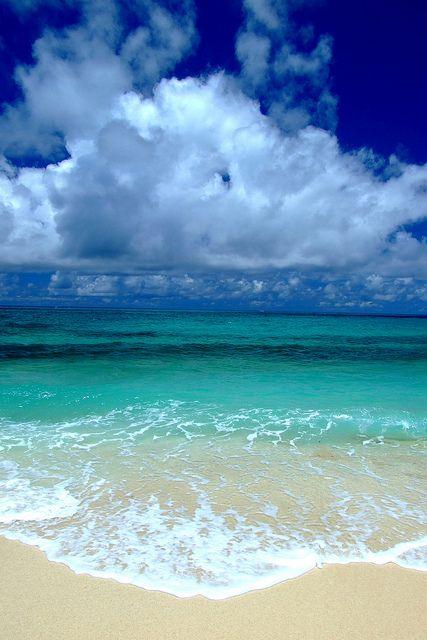 One of Japan's most beautiful beaches. Kumejima Island, Miyako-jima, Okinawa, Japan. #AmericanApparel #PinATripWithAA