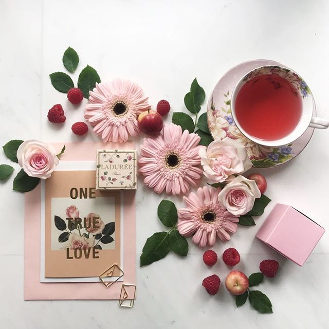 TGIF! @theehlyx is doing it right with our popular Rose Moscato Tea  - Available on our online store!        #amuseprojects #brewbyamuseprojects #brewbyamuse #teaandseasons #naughtyteas #cups_are_love #cupinframe #timefortea #byarrangement #ihavethisthingwithpink #flowerstagram