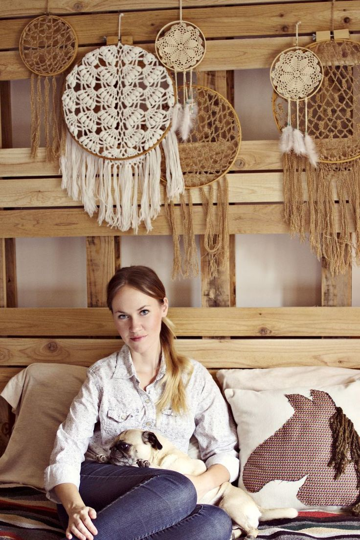Those dreamcatchers!!! Must figure out a DIY!!