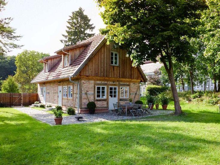 Ferienhaus Gutsgärtnerei Rumpshagen in Ankershagen. Buchen Sie dieses Ferienhaus für bis zu 6 Personen in der Region Mecklenburgische Seenplatte, Müritz!