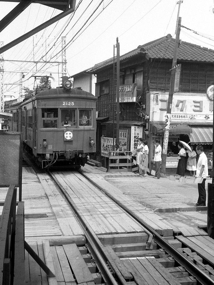 京王線初台駅