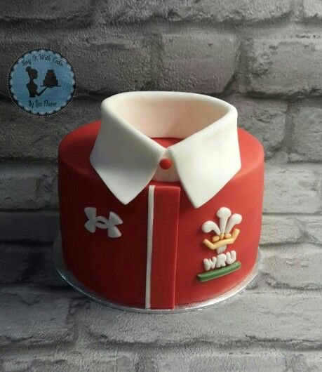 Welsh rugby shirt cake