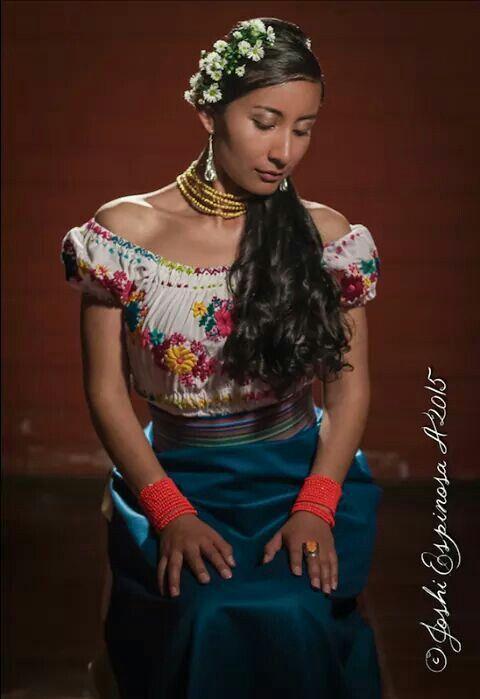 Mujer kichwa Otavalo