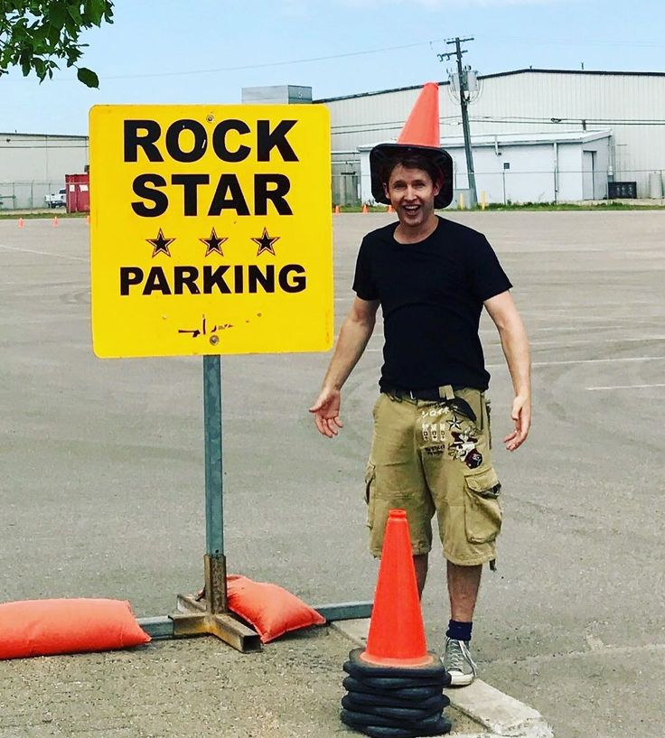 """11.8k Likes, 117 Comments - James Blunt (@jamesblunt) on Instagram: """"Even with a disguise, they still wouldn't let me park here. www.jamesblunt.com/tour"""""""