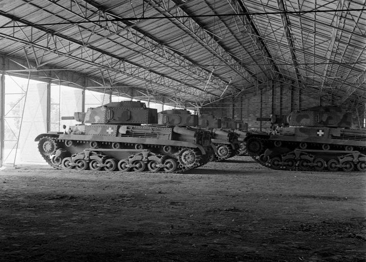 Mátyásföld, Újszász utca 41-43. Magyar Királyi Honvéd gépkocsiszertár, Turán típusú harckocsik.